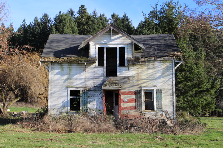 photography, photos, photo journal, travel, travel blog, point roberts, ocean, ocean vacation, photo essay, nature, nature photography, abandoned homes, abandoned places, lifestyle, lifestyle blog